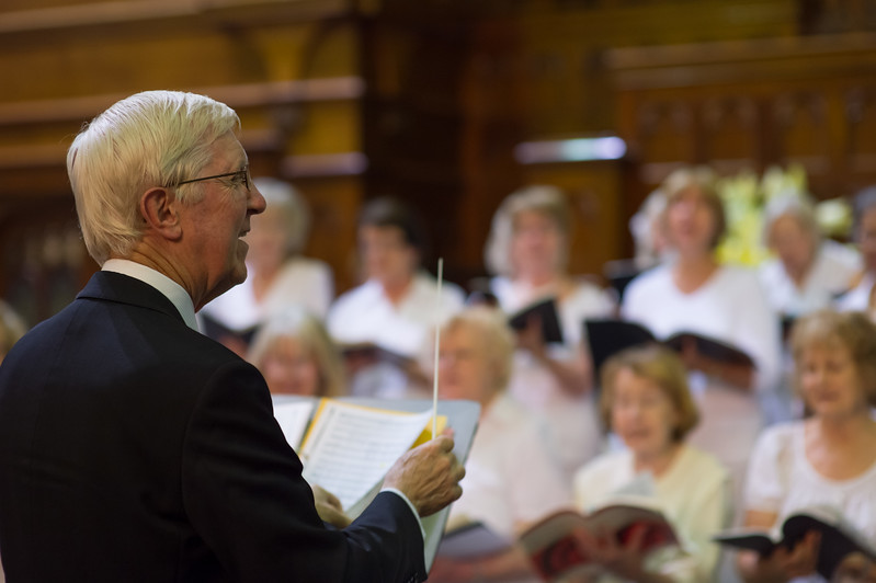 Handel's Messiah, Conducted by Peter Kneeshaw