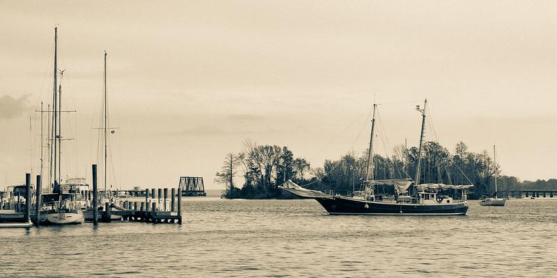 The schooner Jeanie B arrives in Washington, NC
