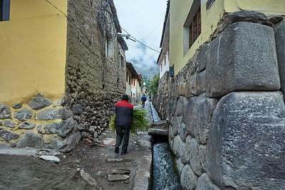 Old Incan alleyway in Ollantaytambo.