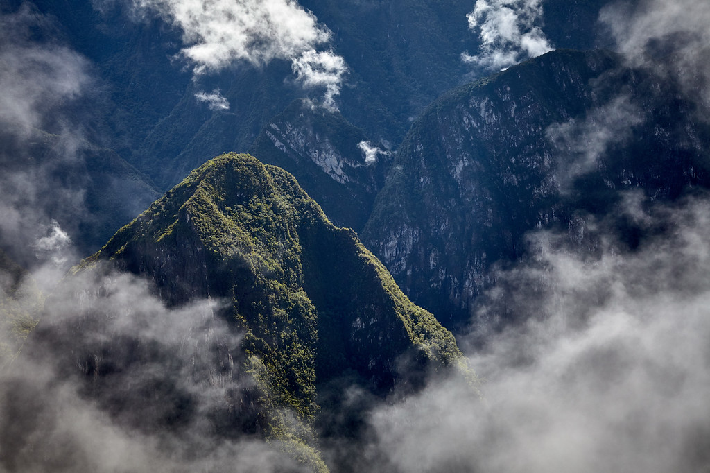 Clouds clearing from atop Huaynapicchu.