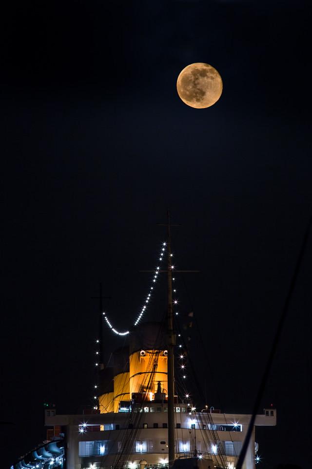 Honey Moon Over Queen Marys Stacks