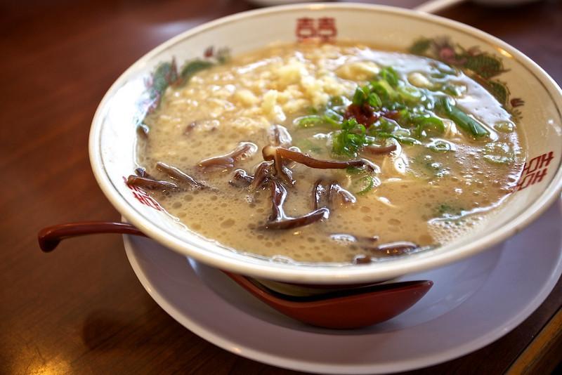 Bakuretsu Ninniku Tonkotsu Ramen ( Garlic Explosion Pork-based Ramen).