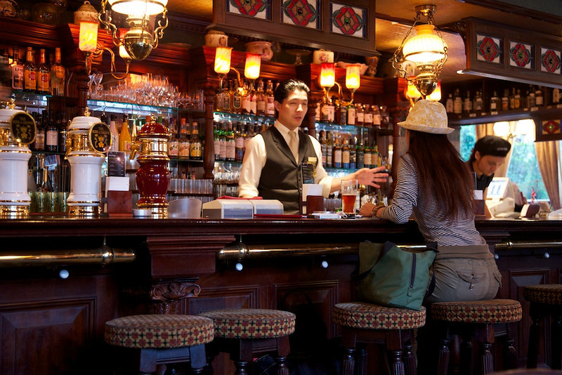 """The Crown and Rose Bar in Yurakucho - this is the restaurant that serves """"Dry Food"""" seen in another gallery."""