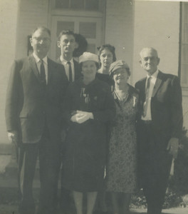 L-R: Paul Caldwell, Millard, Eunice, Linda, Mrs. Stephens (Eunice's mother) and Render.