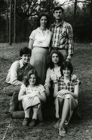 1980 Fuller Family - First Row L-R: Chris, Georgia, Kim and Faith; Back Row: Linda and Millard