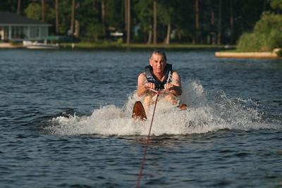 2007 Millard on water skiis. su