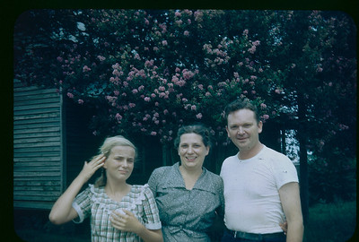 1946 Clarence, Florence and eldest child Eleanor.