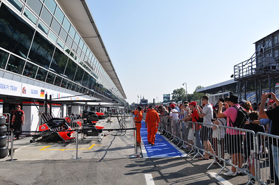 Formula 1 - Gran Premio Santander 2012 3 Day Ticket Holders Pit Lane Walk
