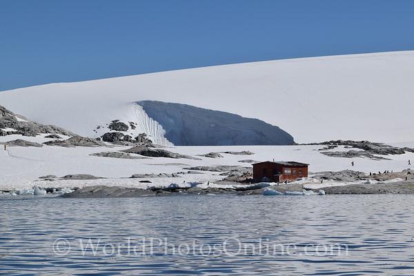 Peterman Island with Argentine Emergency Hut