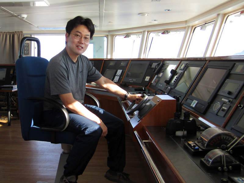 Kevin at the helm of the Plancius