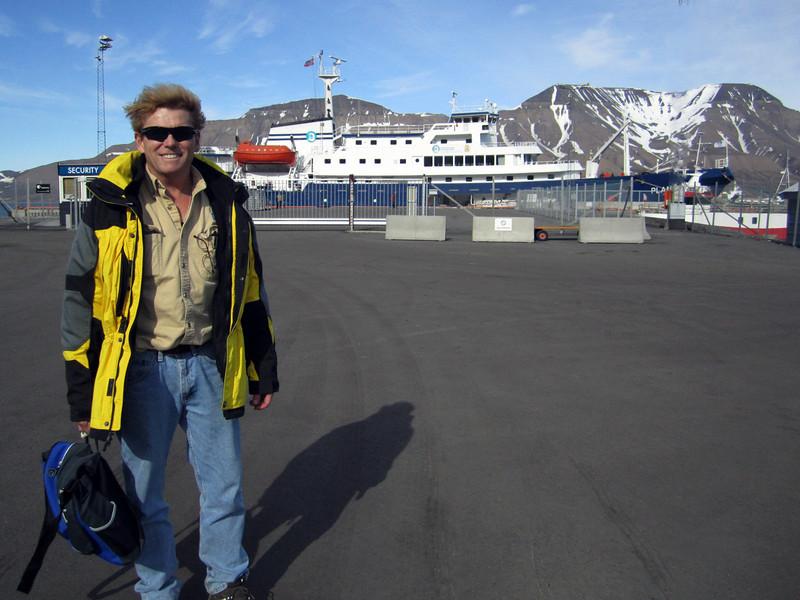 John Lee, preparing to board the Plancius<br /> Longyearbyen, Svalbard