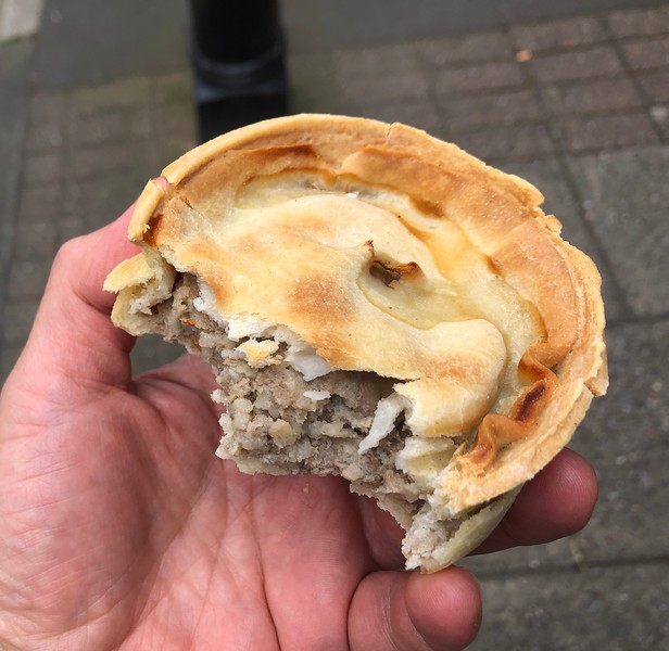 Quick lunch - lamb pie<br /> Stirling, Scotland