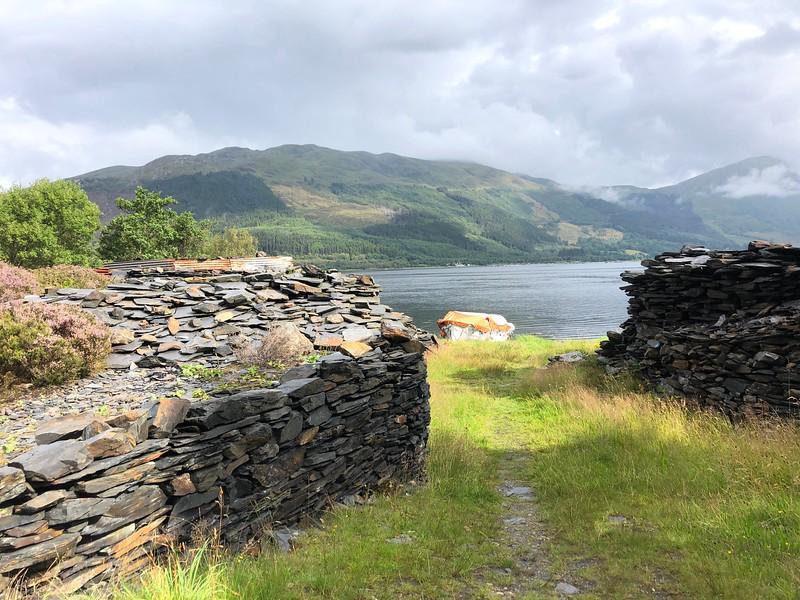 Lochside Cottages dive site entrance<br /> Loch Leven, Scotland