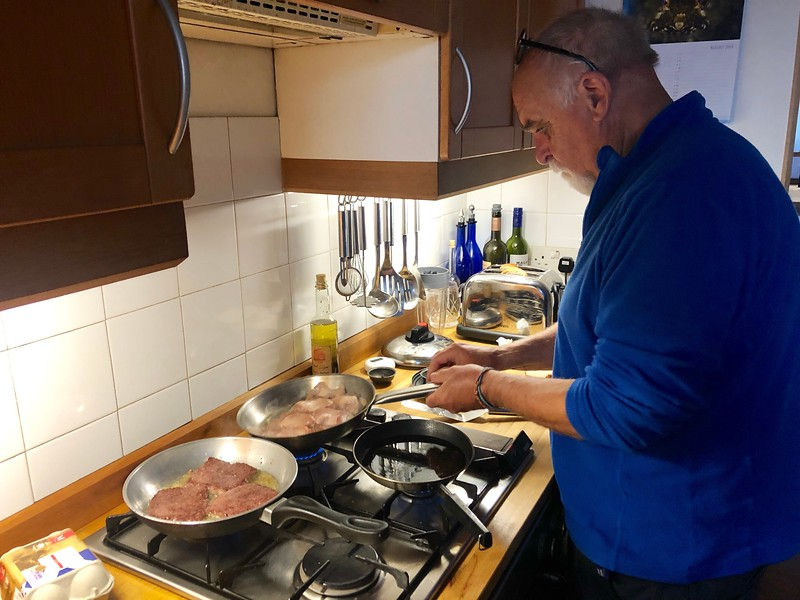 Jim prepares a traditional Scottish Sunday breakfast of poached eggs, bacon & black/white pudding.