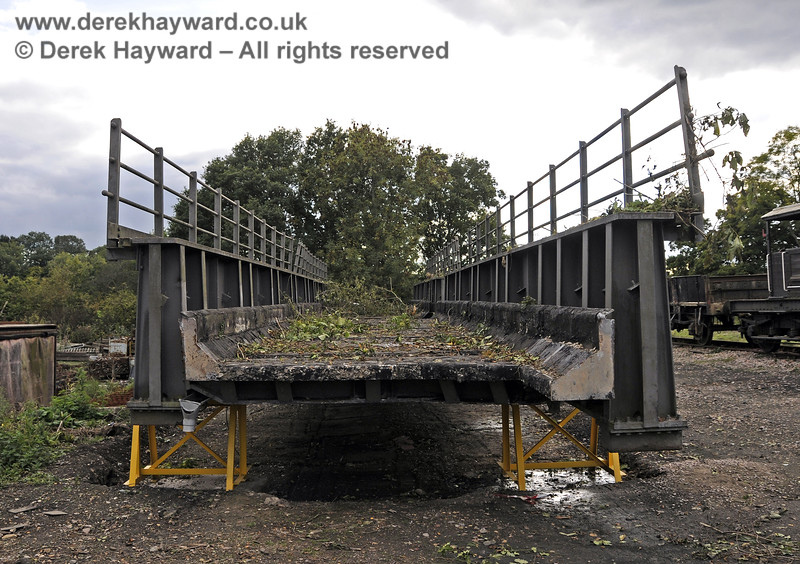 In October 2013 bridge sections were delivered to the down yard at Horsted Keynes which might, in the future, be used to span the gap on the Ardingly Branch west of Horsted Keynes Station.  06.10.2013  9775