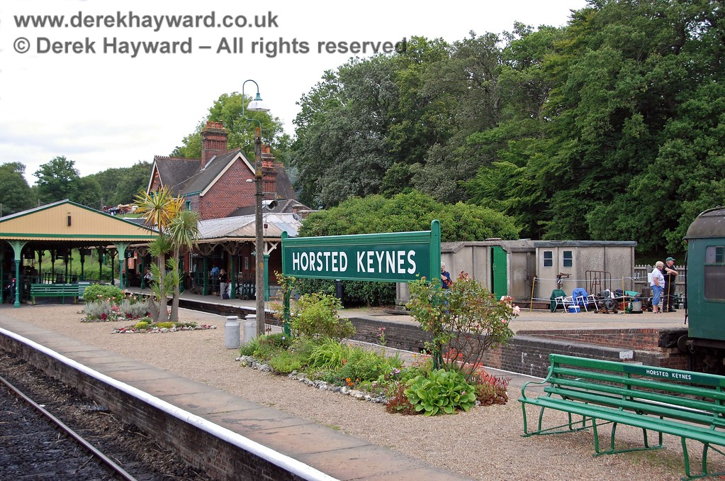Departing for Ardingly (well almost) and looking back at Horsted Keynes Station.  15.08.2009