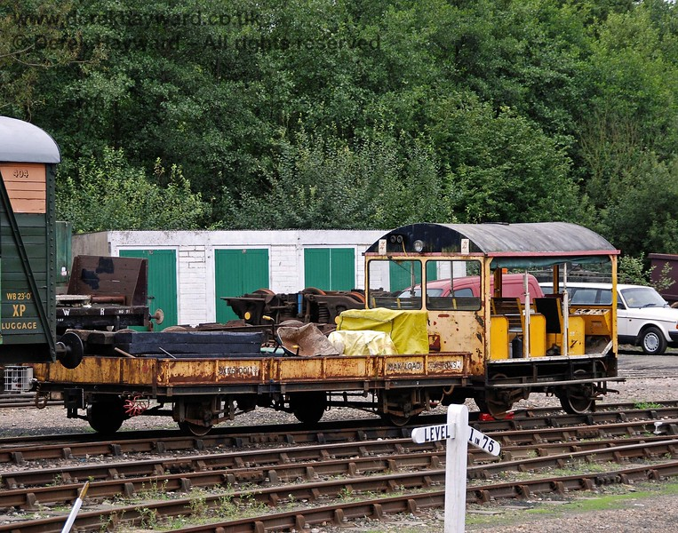 The PW transport, loaded and ready for action.  Note the wedges holding the Wickham trolley in position. 15.08.2009