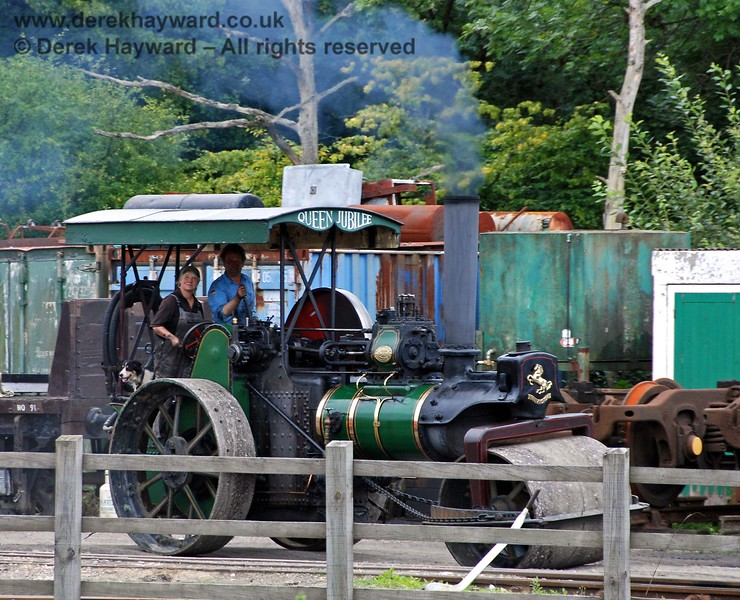 They are skilled people in Carriage and Wagon - apparently they also deal with steam rollers and traction engines.... (Actually it was Vintage Transport Weekend). 15.08.2009