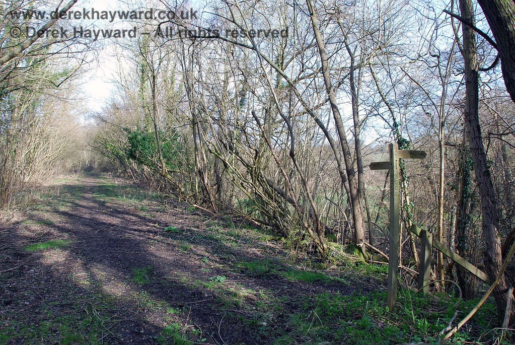 Also looking east from just beyond the point where the permissive footpath can be seen leaving the trackbed.