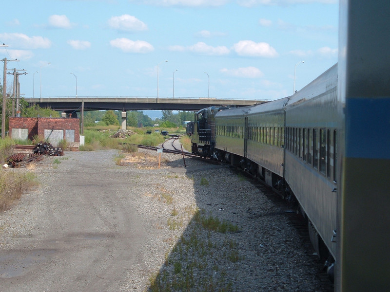 Utica Train arrives at Utica. Picture taken from the open air baggagecar.