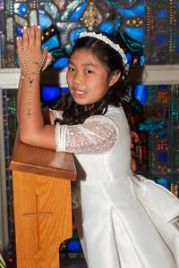 Arianna kneeler DSC_9012