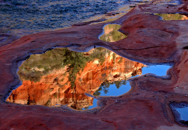 Red Rock reflection, Oak Creek, Sedona