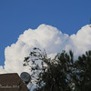 The bluest sky, the whitest cloud... looks like popcorn! hehehe