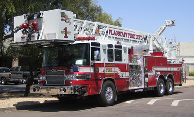 Flagstaff Quint 1 2007 Pierce Quantum 85ft rmt 2000gpm 300gwt 40gft CAFS