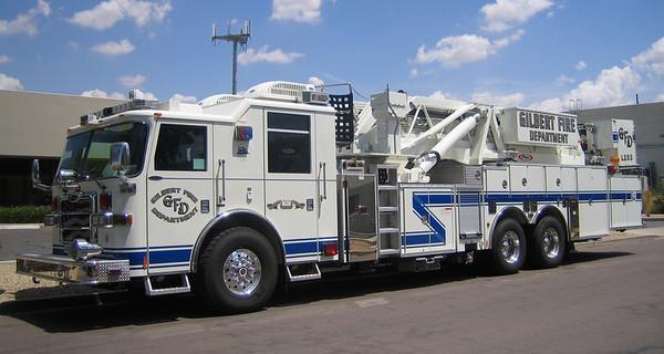 GIL L253 2007 Pierce Dash 95ft mmt