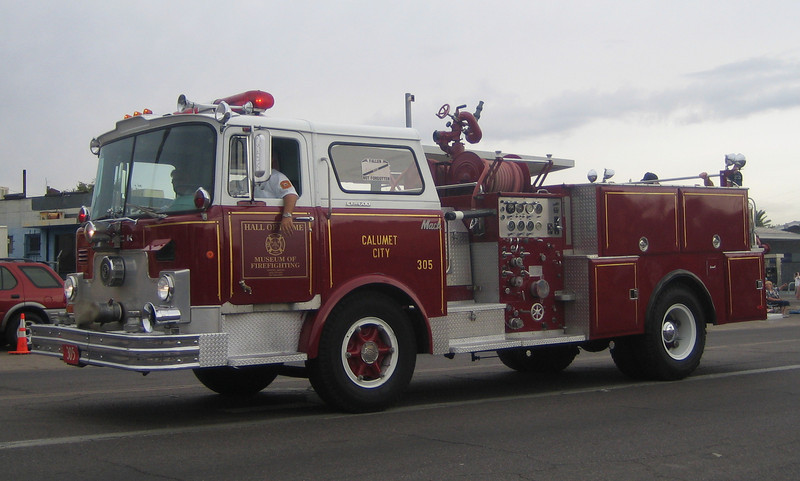 Hall of Flame ex-Calumet, IL E305 Mack CF600 1250gpm 500gwt