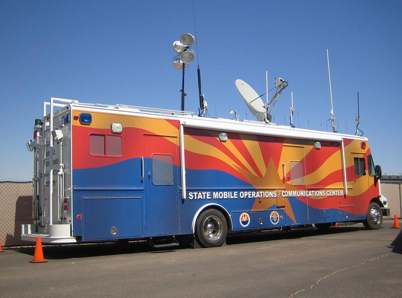 AZ Mobile OPS-COMM Center Freightliner LDV (ps rear)