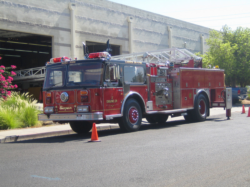 Yarnell E4 1988 Seagrave 75ft rma ladder extended out