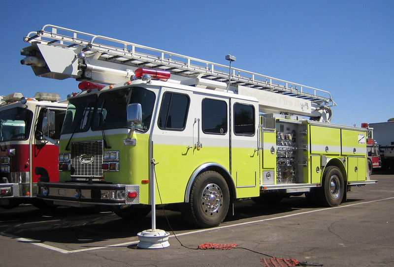 RMFD ex SCT L819 E-One 65ft squirt