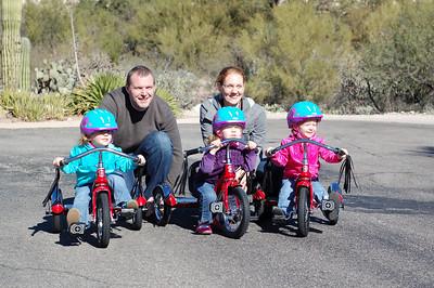 Family bike photo: Fiona, Brant, Daphne, Kari and Stella