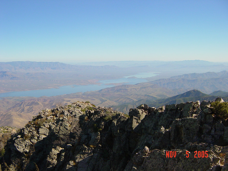 Roosevelt Lake in the distance.