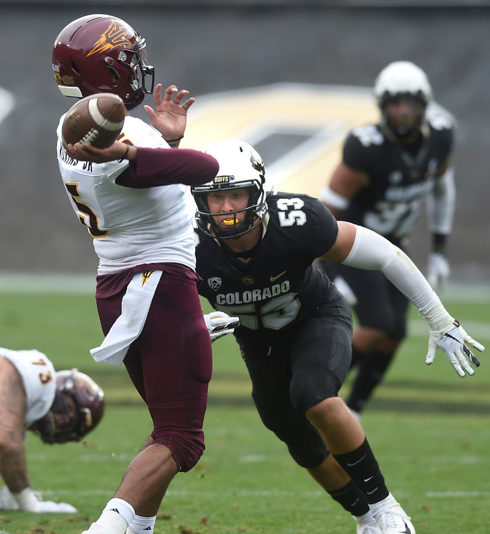 . BOULDER, CO: October 6, 2018: University of Colorado\'s Nate Landman pressures ASU QB Manny Wilkins  during  the game with Arizona State on October 6, 2018. (Photo by Cliff Grassmick/Staff Photographer)