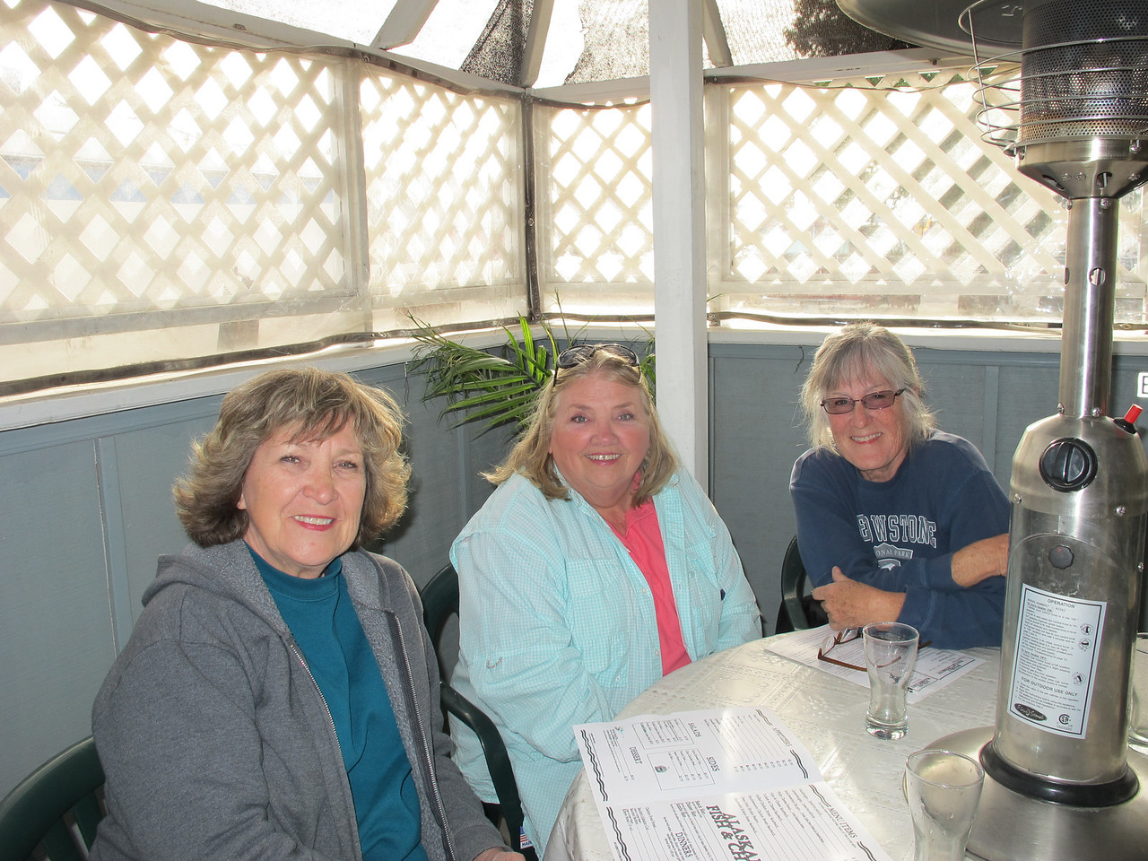Jan (GrandJan), Diane (Sage) and me at the Quartzsite Yacht Club. We ordered their tasty fish & chips!