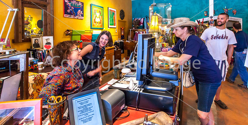 ACA cyclst(s) shopping in Patagonia, AZ - D2 - C2-0053 - 72 ppi