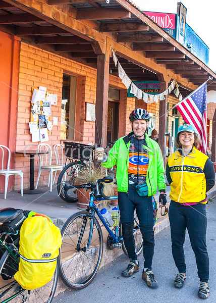 ACA - Cyclists outside Gathering Grounds Coffeehouse, Patagonia, AZ - D3-C2-0019 - 72 ppi