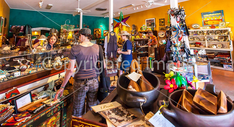 ACA cyclst(s) shopping in Patagonia, AZ - D2 - C2-0049 - 72 ppi