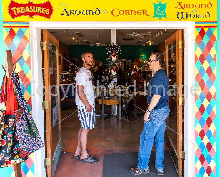 ACA cyclst(s) shopping in Patagonia, AZ - D2 - C2-0047 - 72 ppi