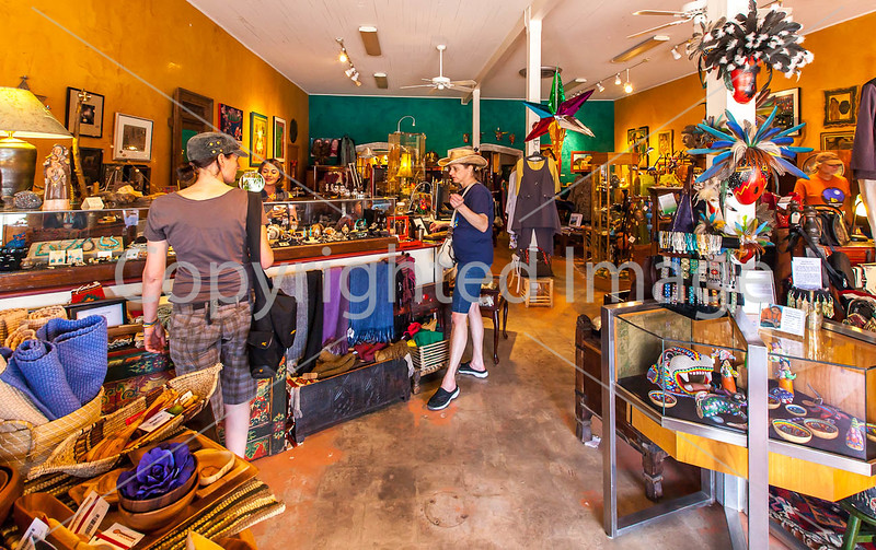 ACA cyclst(s) shopping in Patagonia, AZ - D2 - C2-0048 - 72 ppi
