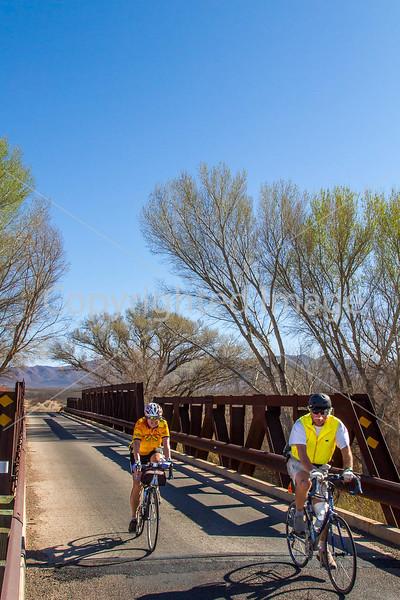 ACA - Rider(s) between Bisbee & Sierra Vista, Arizona - D6-C3-0098 - 72 ppi
