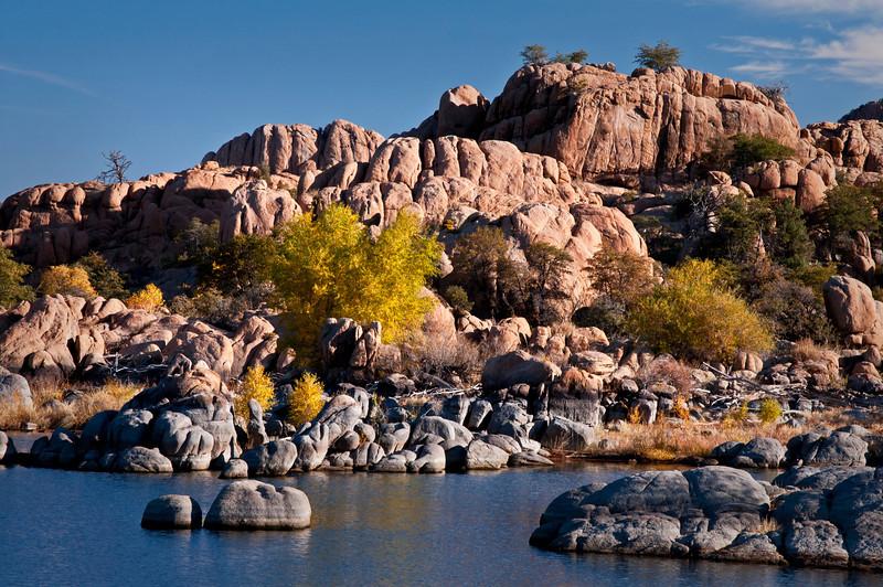 AZ 042                     Morning light on the Granite Dells of Watson Lake, Prescott, Arizona.