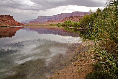 Lee's Ferry - downriver view to Vermillion Cliffs Elevation 3,116 ft. - drop of 1,157 ft to Lake Mead over 235 miles
