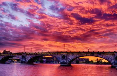 R_London_Bridge_Sunrise_Nov202010_0110_HDR-Edit