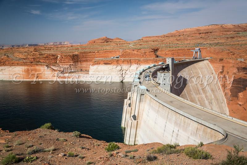 The Glen Canyon Dam on the Colorado River near Page, Utah, USA.