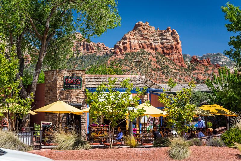 Shops and restaurants In downtown Sedona, Arizona, USA.