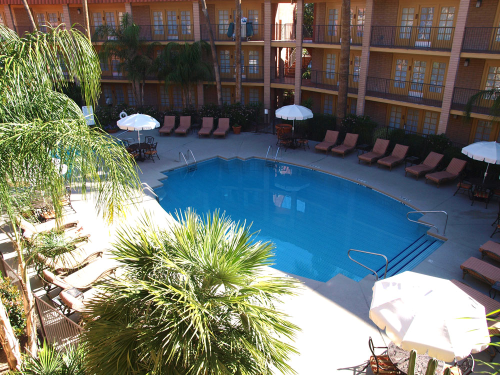Embassy Suites (Williams Center) pool.