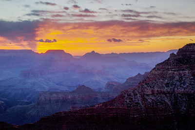 Sun rising at the Mather Point area of the Grand Canyon